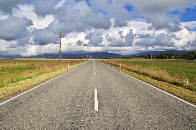 Camino en la isla sur, nueva zelanda