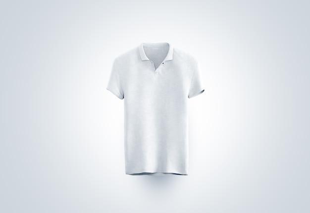 Camisa de polo blanca en blanco aislada, vista frontal
