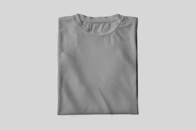 Camiseta gris doblada