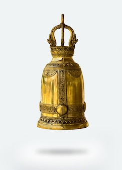 Campana de oro aislada sobre fondo blanco con trazado de recorte