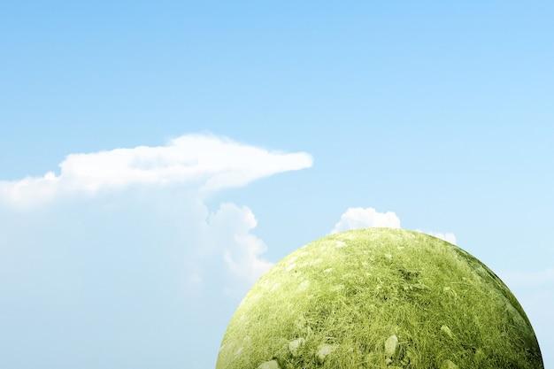 Campo de pradera con una superficie de cielo azul