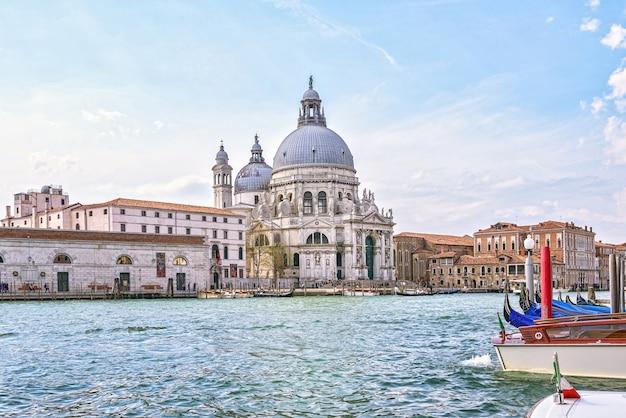 Canal de agua de venecia
