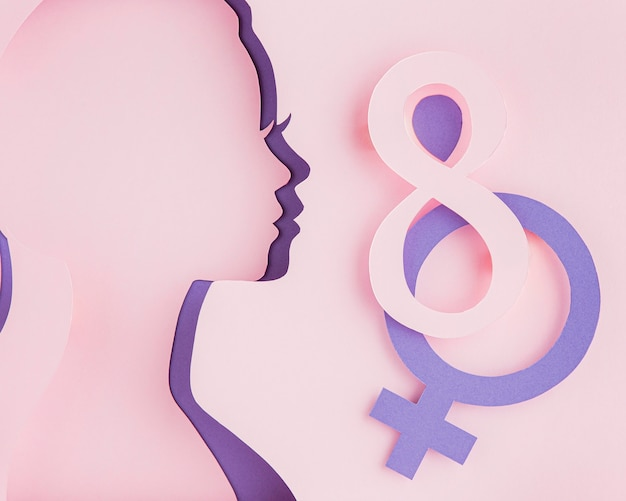 Capas de figura de papel femenina de lado