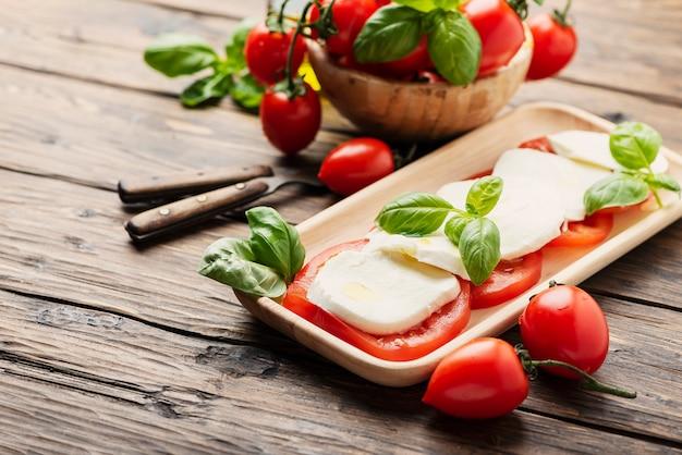 Caprese tradicional italiana