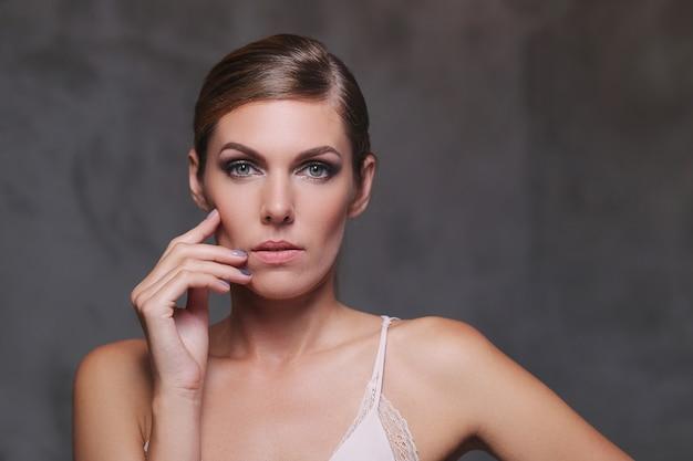 Cara de una mujer hermosa
