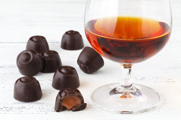 Caramelos de chocolate con brandy