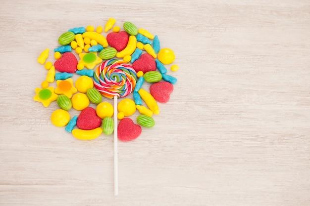 Caramelos con diferentes formas y colores