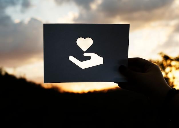 Care heart asistir a la preocupación de la caridad