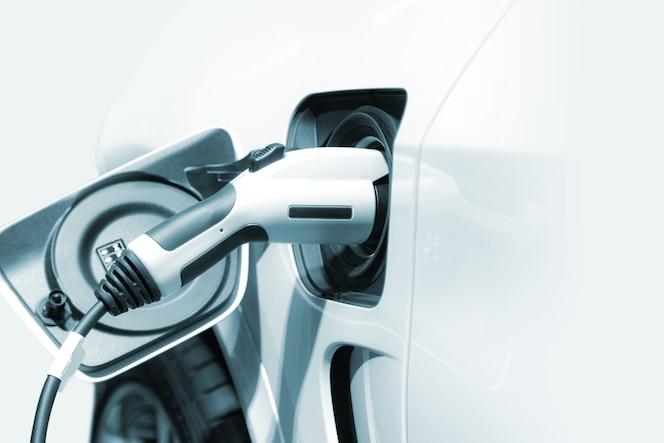 Carga de un automóvil eléctrico, futuro del transporte