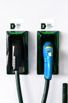 Cargador de coche eléctrico con dos pistolas conectadas