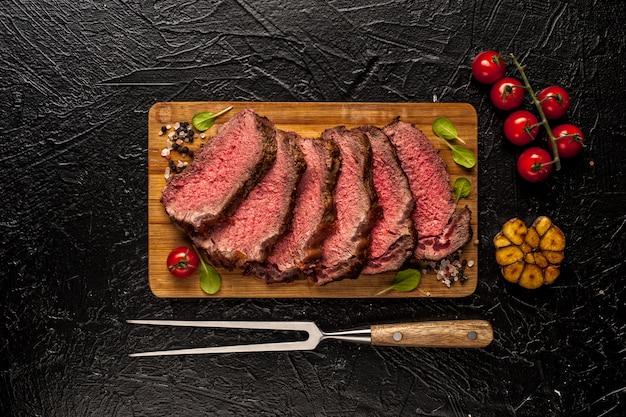 Carne asada. o tablero de madera