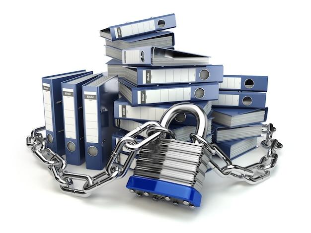 Carpeta de archivos y cadena con candado seguridad de datos y privacidad