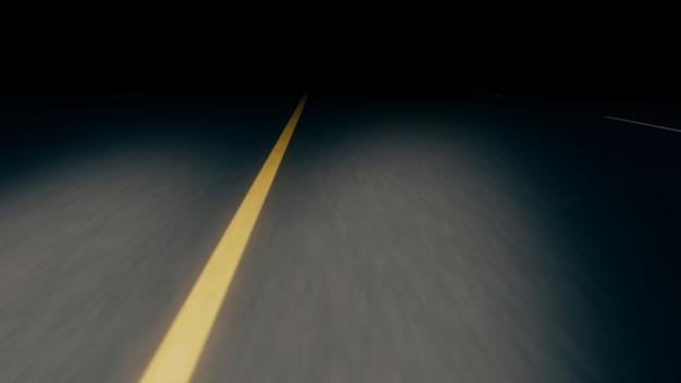 Carretera asfaltada sin fin por la noche