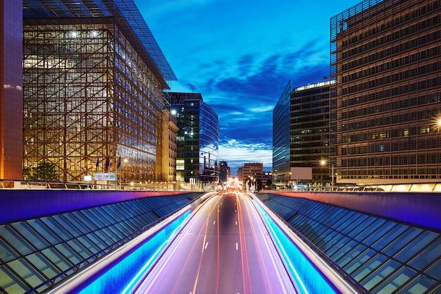 Carretera de la calle central en bruselas