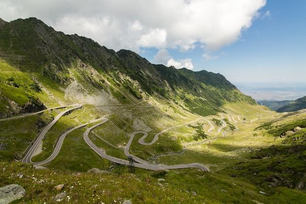 Carretera de montaña transfagarasan, cárpatos rumanos