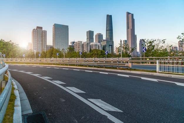 Carreteras de la ciudad de guangzhou y paisaje arquitectónico