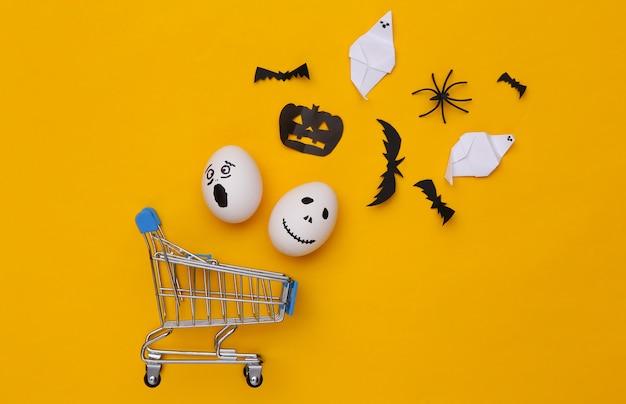 Carrito de la compra con decoración de halloween. vista superior