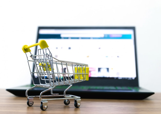 Carrito de compras en línea venta de conveniencia de comercio electrónico