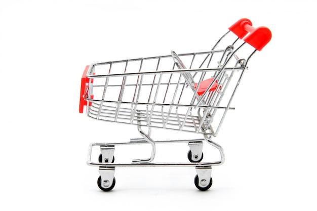 Carro de compras vacío aislado en el fondo blanco