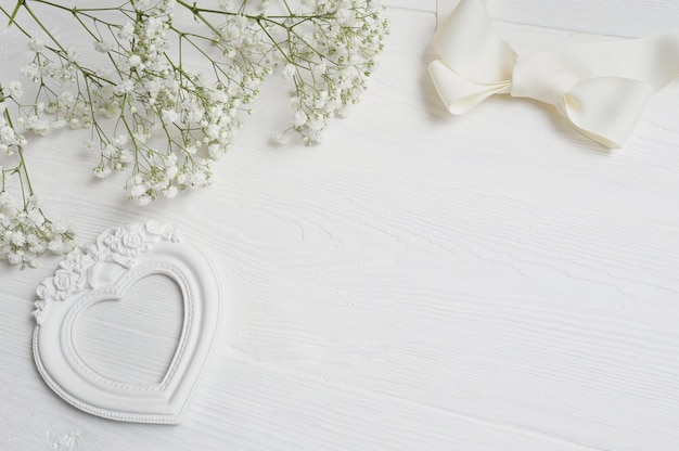 Carta con caja de regalo para tarjeta de felicitación san valentín