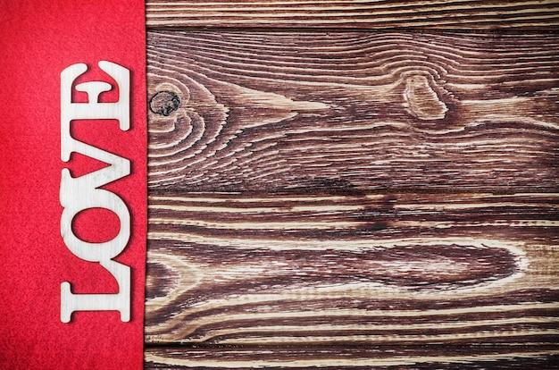 Cartas de amor talladas en madera contrachapada