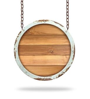 Cartel de madera colgando de una cadena aislada sobre fondo blanco.
