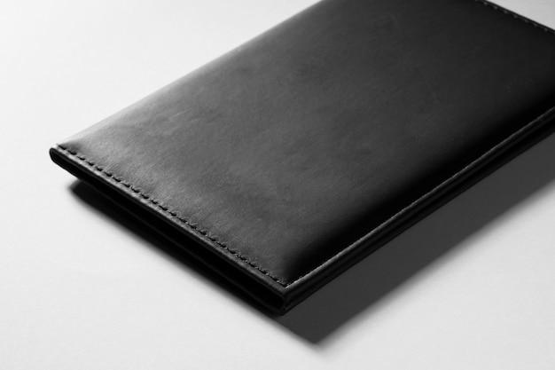 Cartera de cuero con textura negra de primer plano