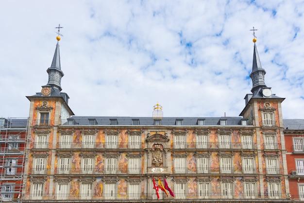 Casa de la panadería en la plaza mayor, madrid, españa