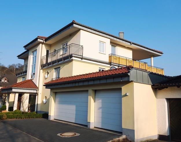 Casa suburbana europea