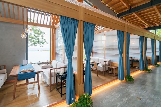 Casa de té de interior con estilo de decoración china.