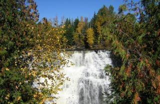 Cascada canadiense, por la tarde