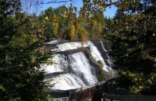 Cascada canadiense, los viajes