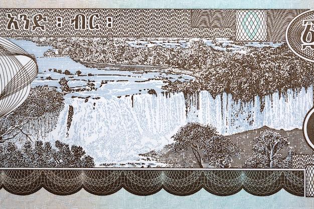 Cascadas de tisisat en el nilo azul de dinero etíope