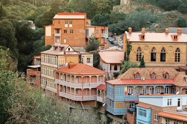 Casco antiguo de tbilisi, georgia, distrito de abanotubani