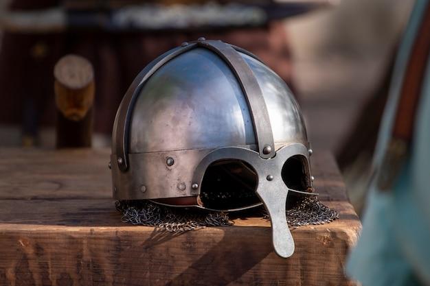 Casco de batalla medieval