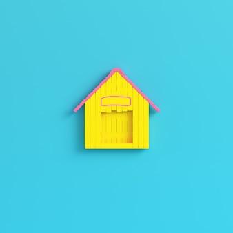 Caseta de perro amarilla sobre fondo azul brillante