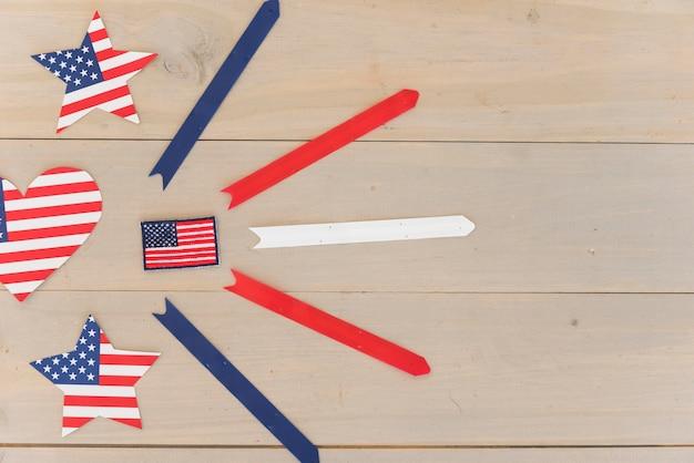 Casilla de verificación y elementos decorativos de bandera de estados unidos.