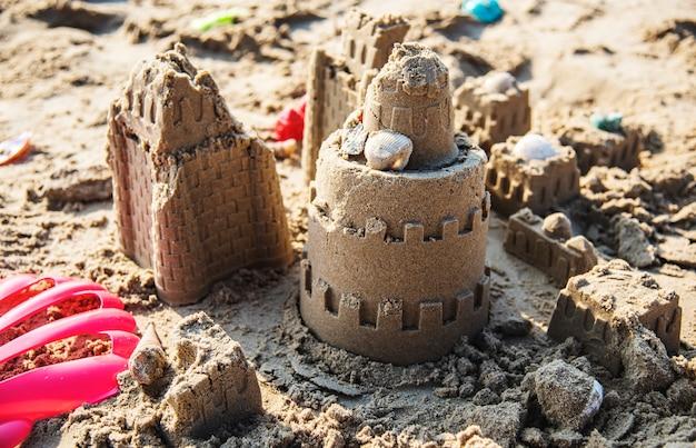 Castillo de arena en la playa