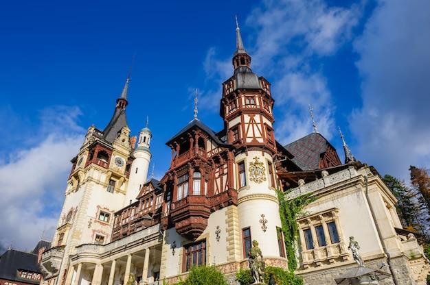 Castillo de peles en sinaia, rumania