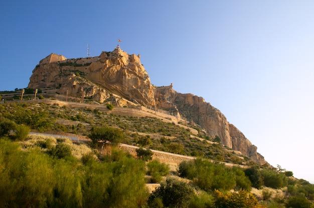 Castillo de santa bárbara de alicante en españa