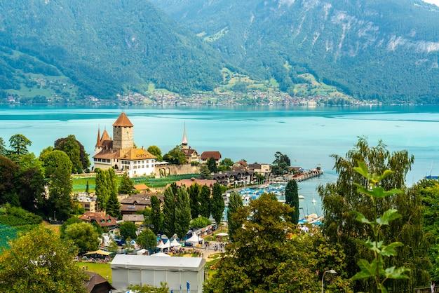 Castillo spiez en suiza