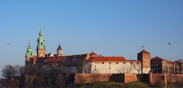 Castillo de wawel en cracovia, polonia, el primer sitio del patrimonio mundial de la unesco en el mundo