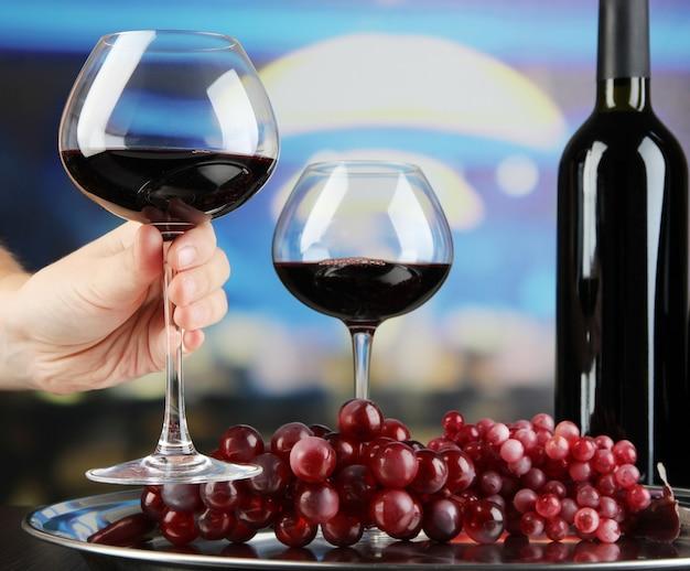 Cata de vinos en restaurante.