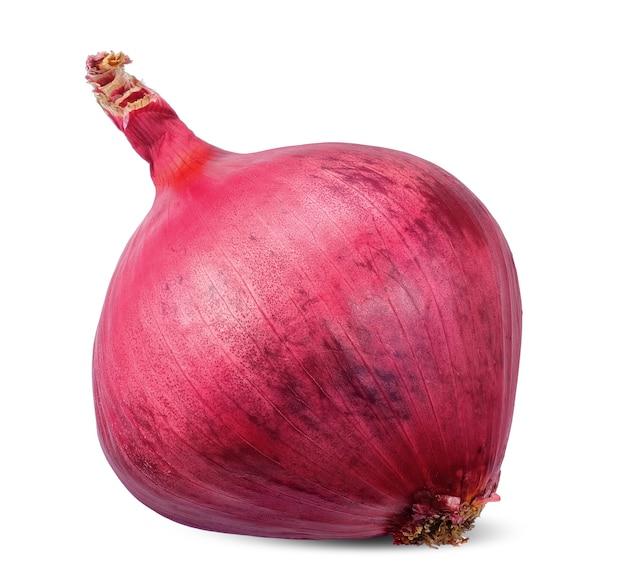 Cebolla roja aislada sobre fondo blanco. trazado de recorte de cebolla