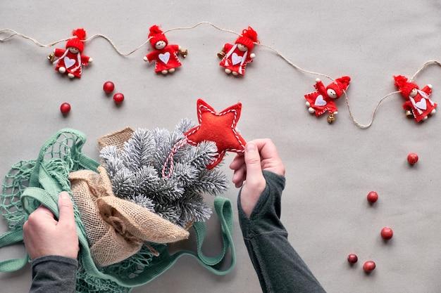 ¡celebra con un árbol falso sin matar a un árbol real! árbol de navidad de plástico en bolsa de malla, decoraciones de navidad ecológicas.
