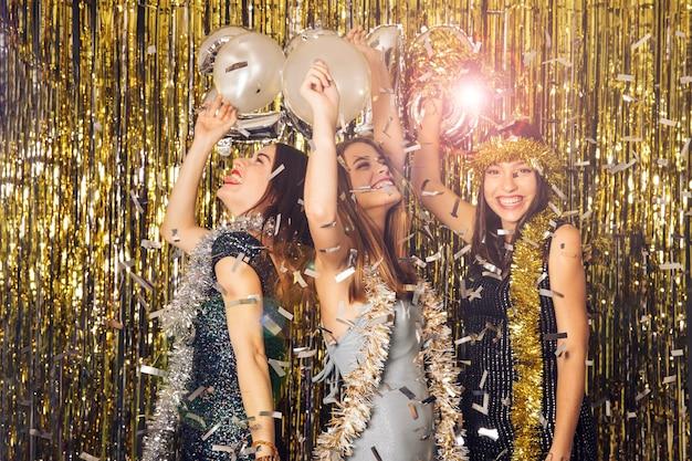Celebración brillosa de año nuevo