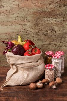 Celebración del día mundial de la alimentación con verduras.