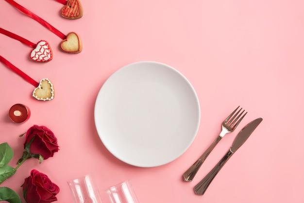 Cena romántica - mesa para el día de san valentín