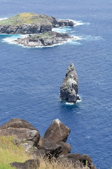 Centro ceremonial orongo, isla de pascua, rapa nui, chile.