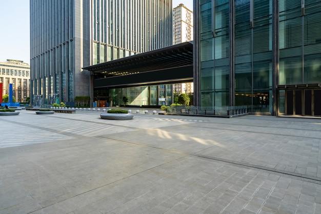 Centro comercial plaza y entrada